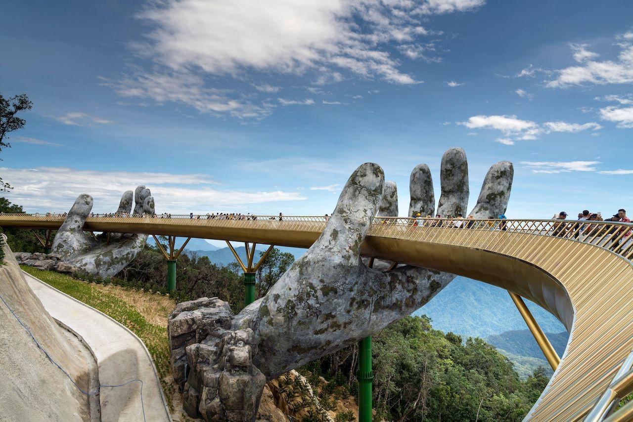Da Nang Hand Bridge